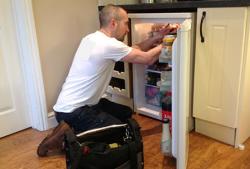 Sửa chữa nạp ga tủ lạnh tại Đình Thôn